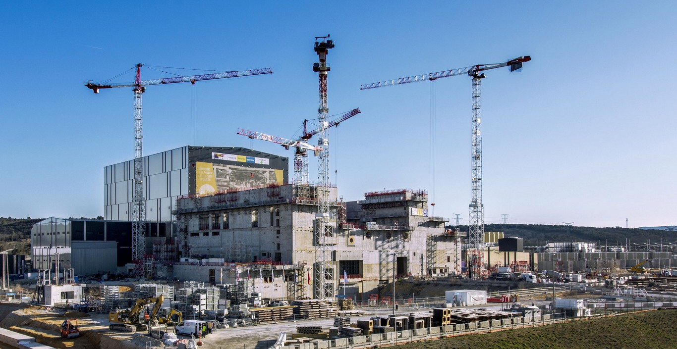 ITER 03.2019 from roof m